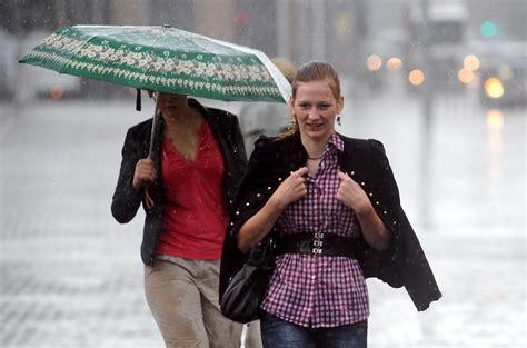 Diena būs lietaina, vakarā iespējams arī pērkona negaiss un stipras lietusgāzes | VENTSPILNIEKS.LV