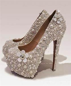 High Heel Shoes Wallpapers. Beautiful High Heel Shoes ...
