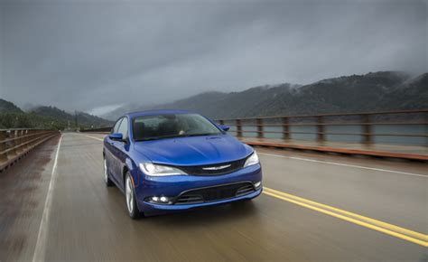 Fuel Economy Chrysler 200 by 2015 Chrysler 200 V6 Awd At 22 Mpg Combined