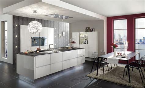 les cuisines à vivre cuisine plus invite les parisiens à vivre la dolce vita avec un concept kitchen unique infos 75