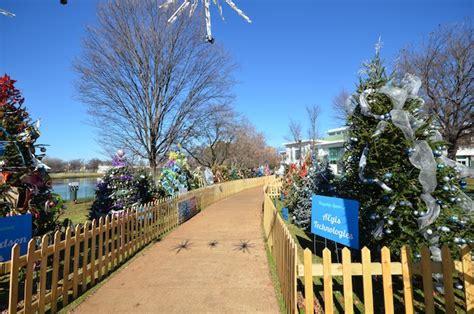 tinsel trail huntsville alabama christmas tree walk