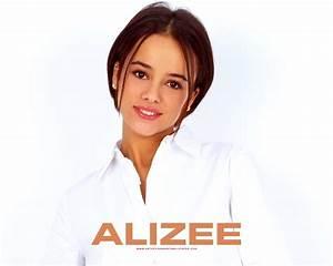 Walltown Corner: ALIZEE  Alizee