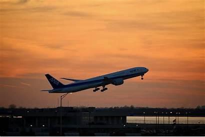 Airplane Take Spin