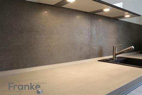 Fliesen Betonoptik Küche by Moderne K 252 Che Im Betonlook Durch Die Minimalistischen