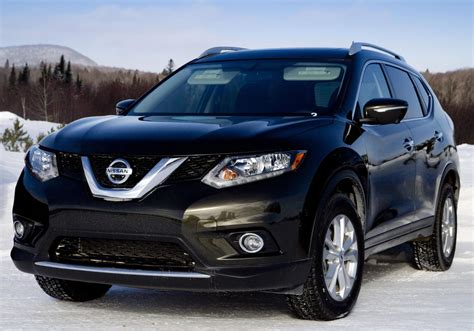 Nissan Rogue Takes To Ice Track In Canada