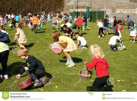 children easter eggs editorial photo image 4668696 271   children hunting easter eggs 4668696