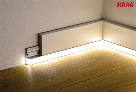 Indirekte Raumbeleuchtung Durch Moderne Sockelleisten by Fussbodenleisten Led