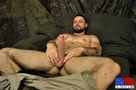Happy Veterans Day Straight Us Army Sergeant Jerks His Thick cock Gay Military Fuck
