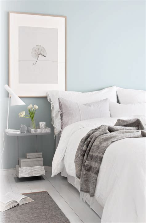 Bedroom with Teal Walls