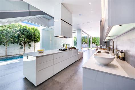 cuisine architecte cuisine moderne blanche sans poignee maison d 39 architecte