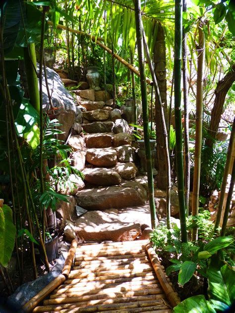 hidden gardens  mt helix  adventure  ends
