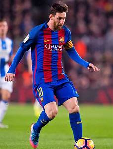 Lionel Messi News: Barcelona hand star five-year contract ...