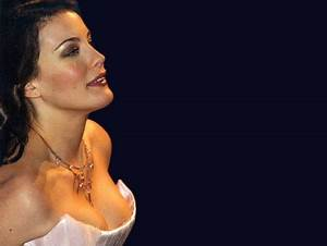 Liv Tyler - Movies & Entertainment Background Wallpapers ...