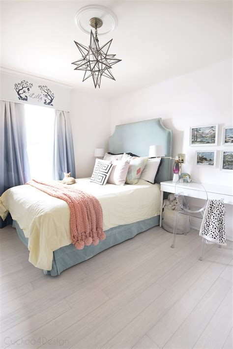Teal, Turquoise, Coral And Yellow Girls Bedroom