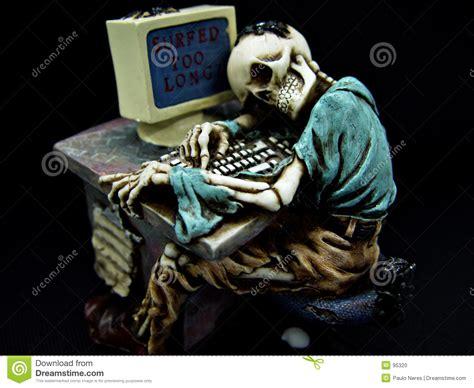 Skeleton Computer Meme - still waiting skeleton computer www imgkid com the image kid has it