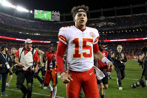 patrick mahomes stock continues  rise  chiefs beat