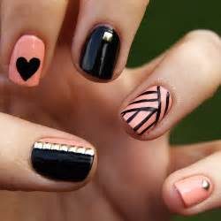 Pastel pink and black nails g