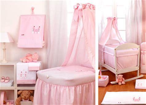 credence cuisine ikea fille carla bruni sarkozy quel lit pour le bébé de carla côté maison