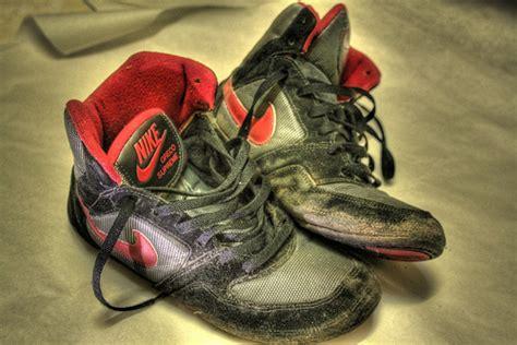 youth wrestling shoes keys  making  smart purchase
