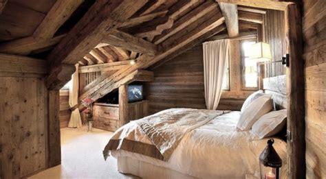cozy  welcoming chalet bedrooms ideas