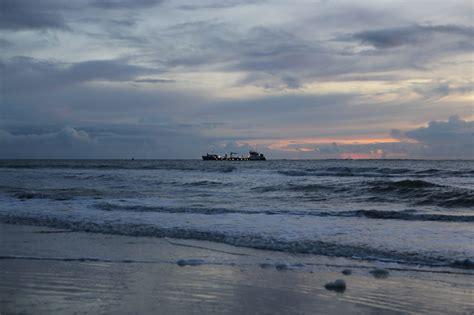 Boten Op De Noordzee by Schepen Op Noordzee Door Storm In Problemen Bootaanboot Nl