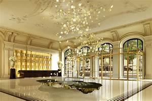 The Peninsula Paris : impactful entry space the peninsula paris hotel gpi design ~ Nature-et-papiers.com Idées de Décoration