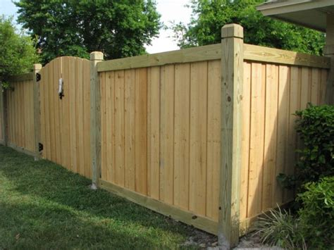 Wood Fence Designs To Suit Your House