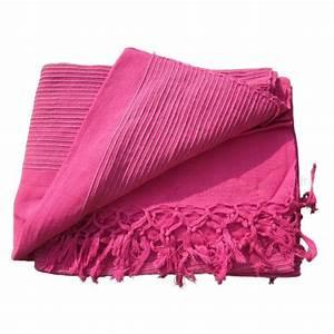 Plaid Pour Lit : tenture k rala plaid couvre lit rose fushia provence ar mes tendance sud ~ Teatrodelosmanantiales.com Idées de Décoration