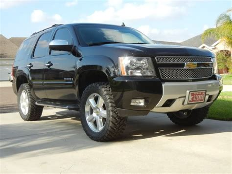 tahoe leveled  nitto trail grapplers cars trucks   toys chevy tahoe