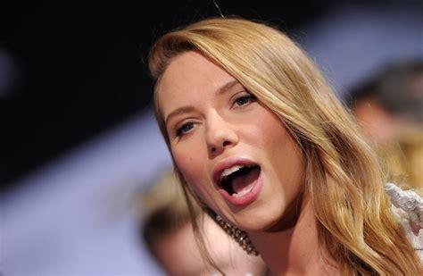 Scarlett Johansson - Scarlett Johansson Photos - 'Captain ...
