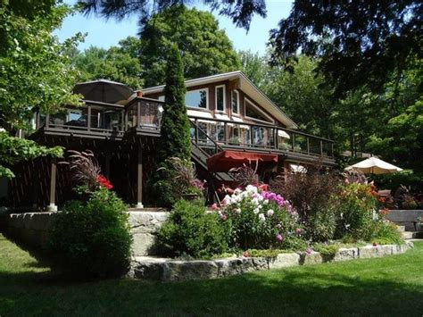 Chandos Lake 111' Waterfront  Apsley Cottage For Sale