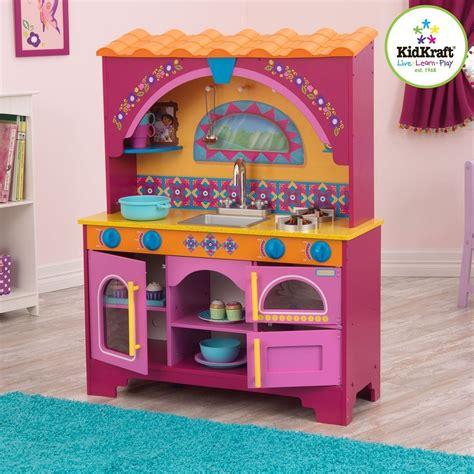amazon com kidkraft dora the explorer kitchen toys games