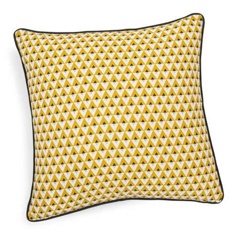 coussin en coton jaune    cm hilton maisons du monde