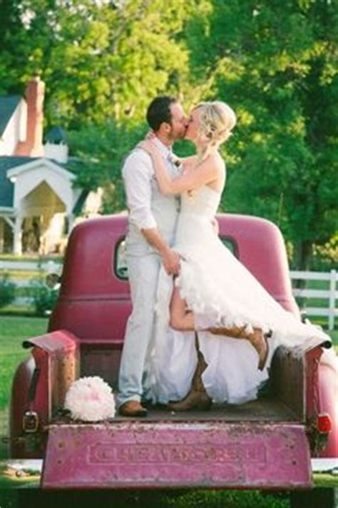12012 country wedding photography poses 1000 images about tying the knot photo ideas on