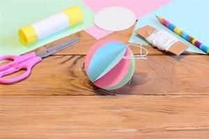 Boule Papier Deco : bricolage de no l 10 d co sapin fabriquer soi m me ~ Teatrodelosmanantiales.com Idées de Décoration