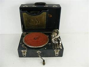 Vintage Old Antique Windup Phonograph Is Marked Cecilian