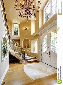 Intérieur De Luxe De Maison Couloir D'entrée Photo stock