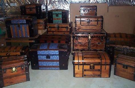steamer trunk worldwide authority  antique steamer