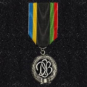 Médaille ordonnance sport allemand argent Sergequipement