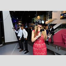 In Photos Eyzenberg & Company's Virtual Reality Holiday