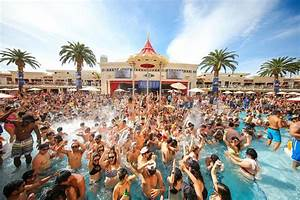 Vegas Dayclubs & Pool Parties. VIP Cabanas & Daybed Rentals