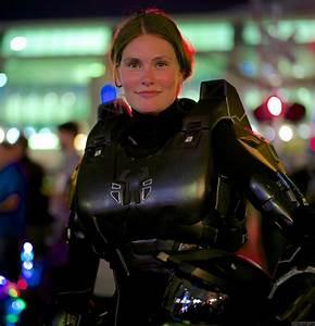 Heavy Gear Girls • View topic - Female Model in HALO Armor.
