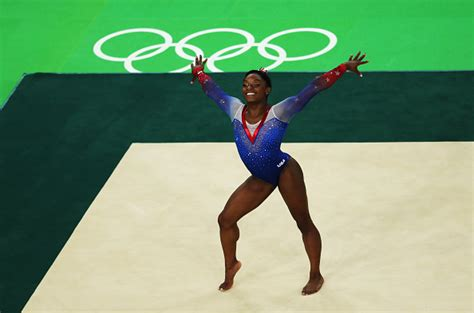Biles Floor Routine 2016 by Biles Nails Floor Routine Earns Fourth