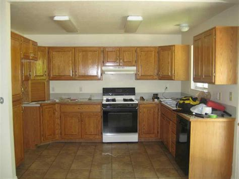 what paint color goes best with dark cabinets what color wood floor goes with oak cabinets sofa cope