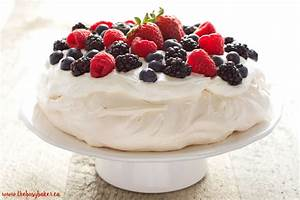 The Perfect Pavlova The Busy Baker