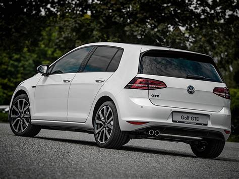 Model specifications provided may vary based on selected trim, options, and installed accessories. VOLKSWAGEN Golf VII GTE specs & photos - 2014, 2015, 2016 ...