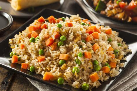 recettes cuisine du monde recette de riz frit chinois toute simple et rapide à faire