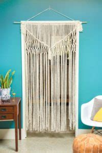 12 DIY Macramé Curtains Patterns   Macrame Door Curtain