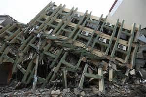 Tremblement De Terre Crete 2016 by Equateur Au Moins 233 Morts Dans Le Tremblement De Terre