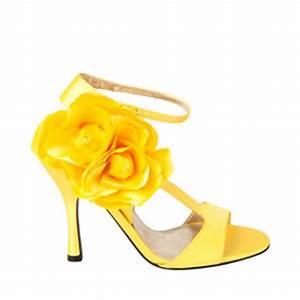 HELP!!!! yellow shoes! - Weddingbee